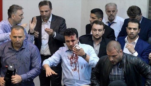 Демонстранти взяли штурмом парламент Македонії