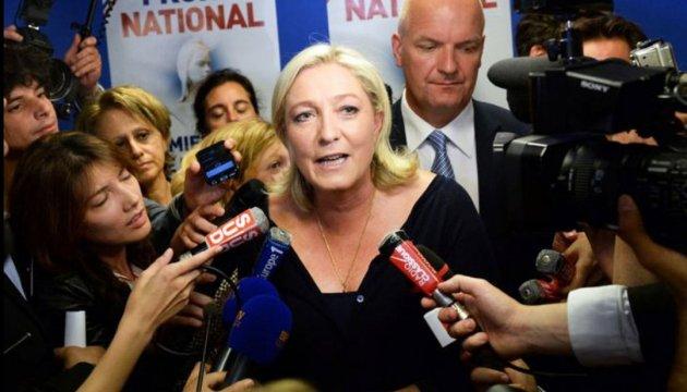 Ле Пен назвала марним закон Макрона про внутрішню безпеку
