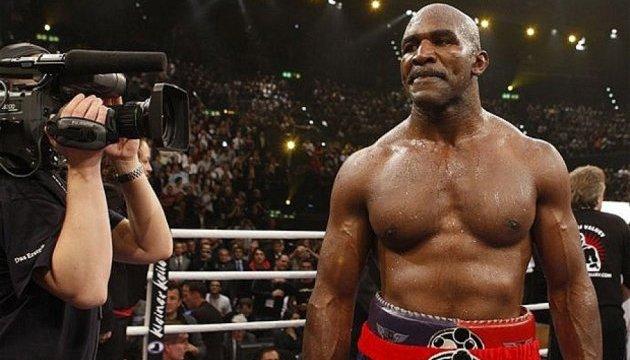 Голіфілд: Джошуа може змусити Кличка видати в рингу все, що є