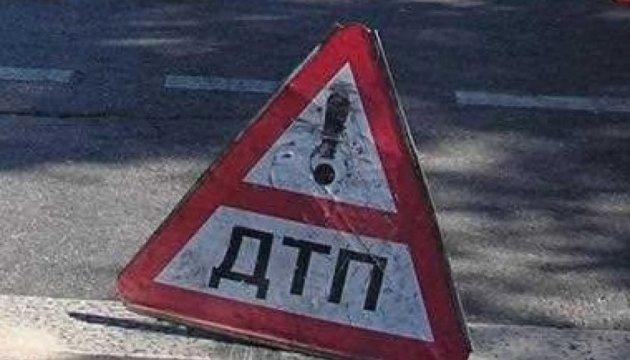 Біля Маріуполя військовий насмерть збив пішохода