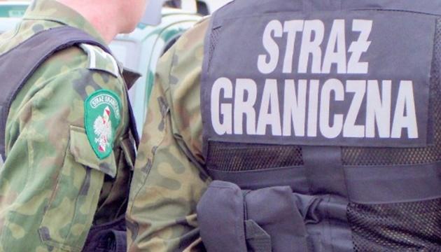 У Польщі затримали трьох українців за підробку документів понад тисячі іноземців