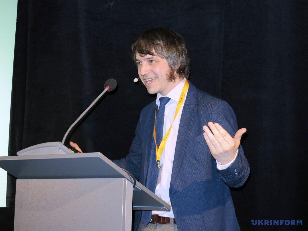 Мартиньша Капранса, сотрудника CEPA