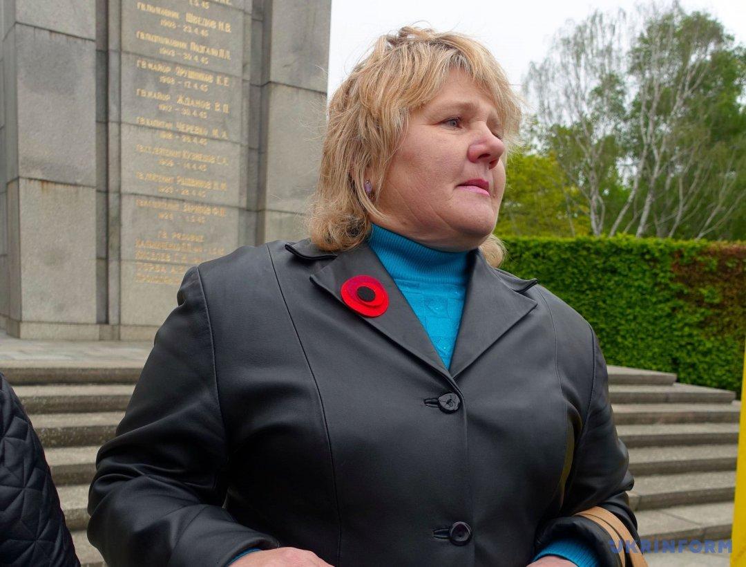 Мати українського військовополоненого Руслана Сугака Олена