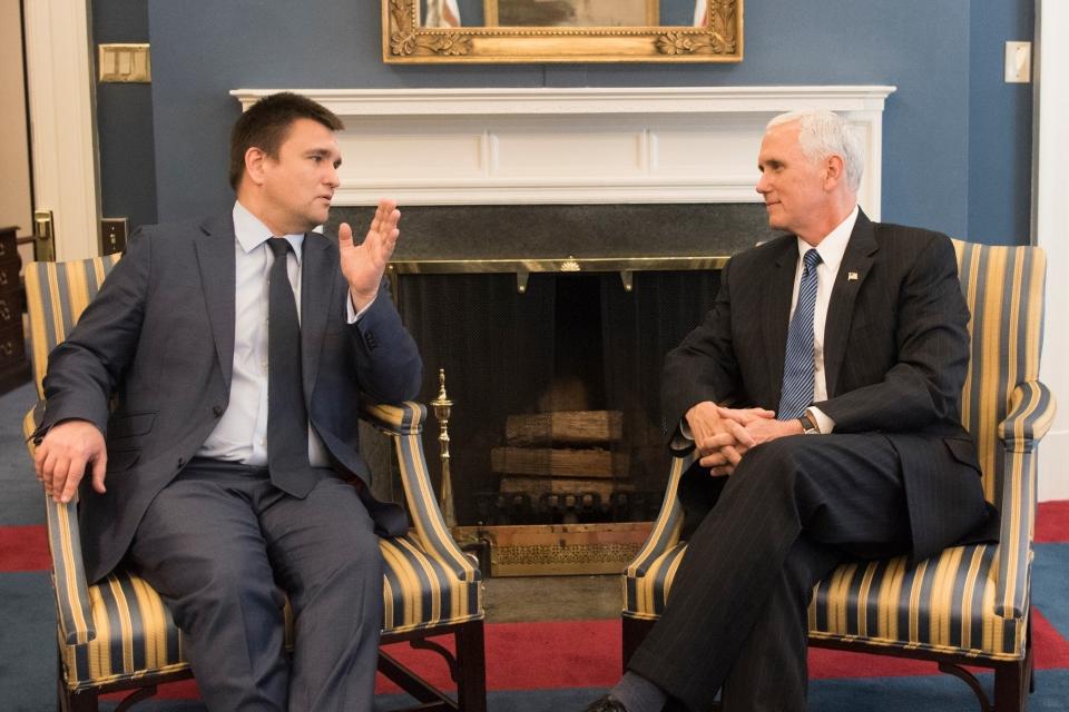 Трамп подтвердил готовность сотрудничать с Украиной для мирного урегулирования конфликта на Донбассе, - Белый дом - Цензор.НЕТ 8593