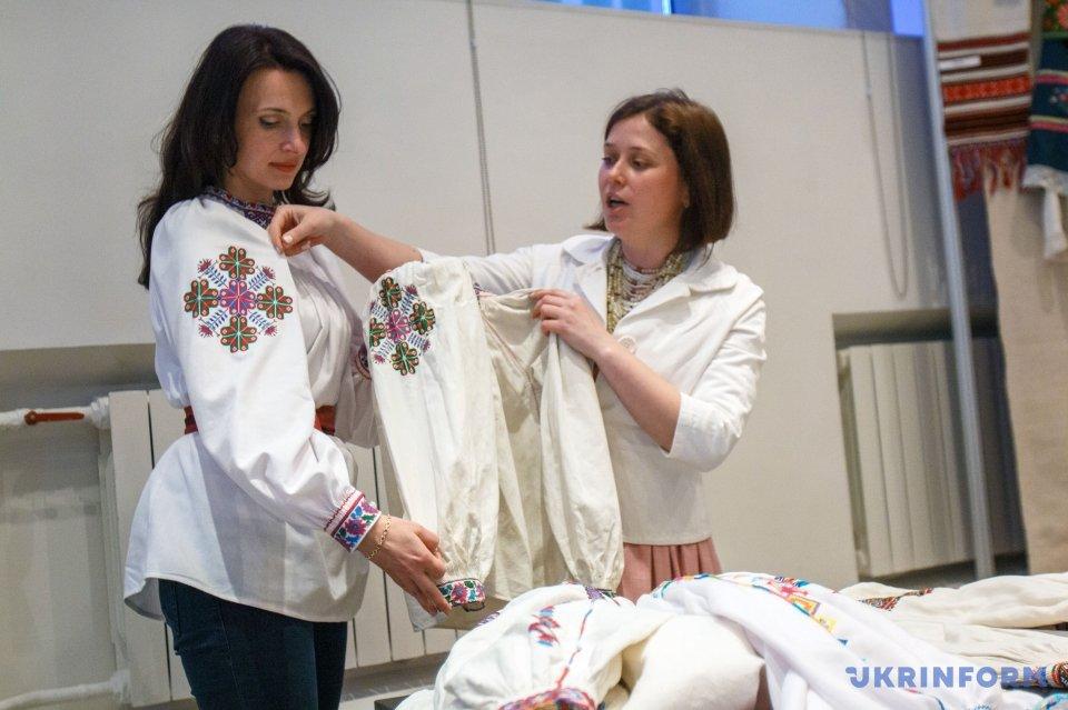 Тетяна Когутич (праворуч)
