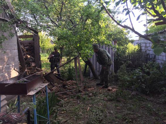 Боевики обстреляли жилые кварталы Авдеевки изминометов: повреждены дома