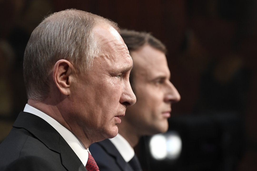 Президент Росії Володимир Путін  і президент Франції Еммануель Макрон