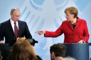 Меркель поговорила с Путиным: версии от Берлина и Москвы