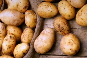 В Украине цены на ранний картофель упали до самого низкого за 3 года уровня