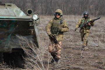 Les combattants pro-russes utilisent des armes légères : un militaire ukrainien a été blessé
