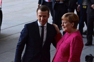 Меркель поговорила з Макроном перед його зустріччю з Трампом