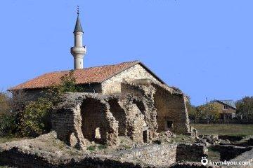 Россия уничтожает археологические памятники в Крыму - Минкульт