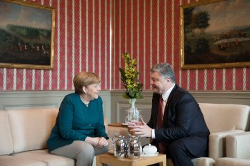 """Порошенко і Меркель скоординували позиції щодо реалізації """"Мінська"""""""