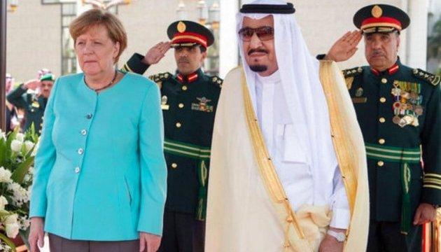 Меркель обговорила з Саудівською Аравією постачання зброї