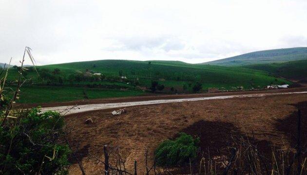 Зсуви в Киргизстані: стихія відрізала від світу евакуйованих жителів
