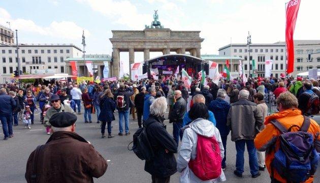 У Берліні 1 травня проходять акції солідарності та демонстрації