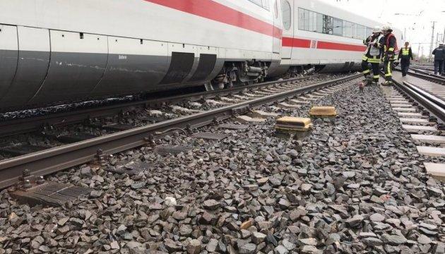 У Дортмунді перекрили залізницю: потяг зійшов з рейок