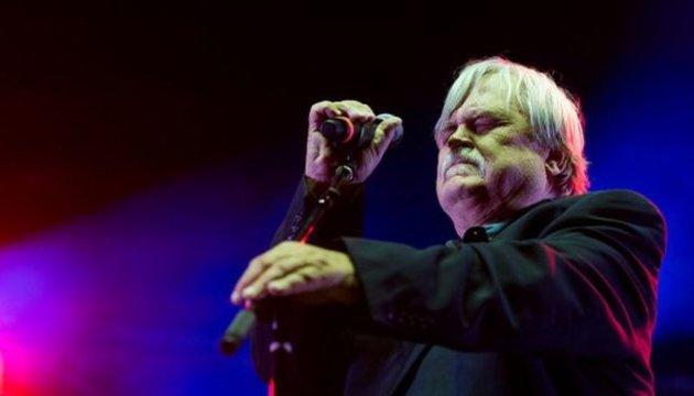 Гітарист Брюс Хемптон помер на концерті в честь свого 70-річчя