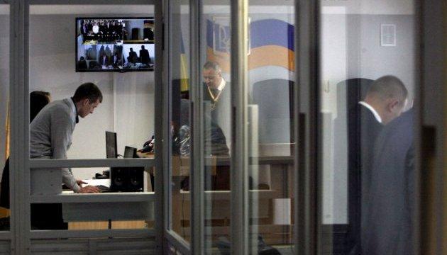 Державний адвокат Януковича знову самовільно пішов із зали суду
