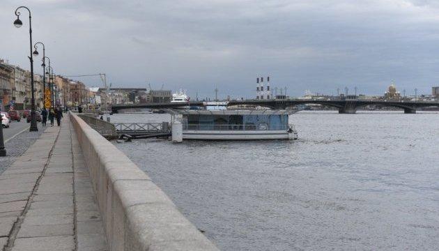 Внезапно: прибывшие для участия в параде корабли срочно покинули Петербург