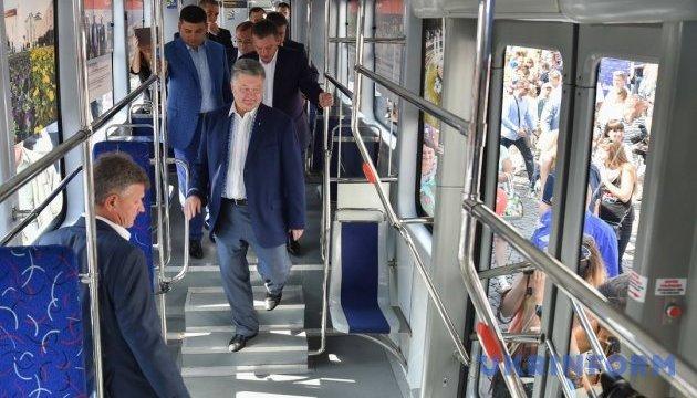 Порошенко ратифицировал соглашение с ЕИБ относительно общественного транспорта