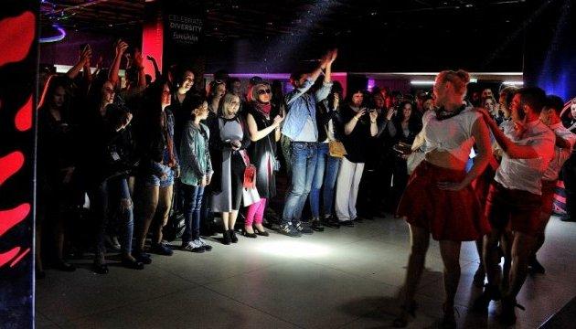 Четверо конкурсантов Евровидения споют сегодня на вечеринке в Евроклубе