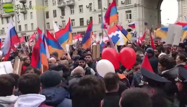 Вірмени і азербайджанці побилися на ході «Безсмертного полку» в Москві
