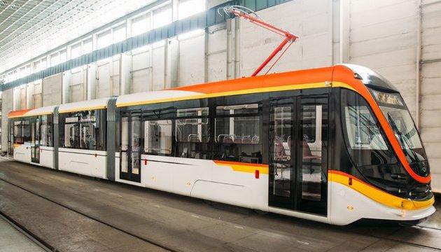В Україні випустили нову модель трамвая