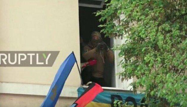 Поліція штурмувала офіс ОУН через людину з гранатометом у вікні - Аваков