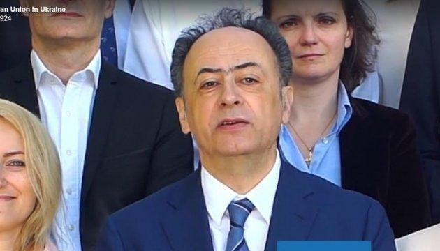 Hugues Mingarelli a présenté ses félicitations en ukrainien pour le nouveau régime sans visas
