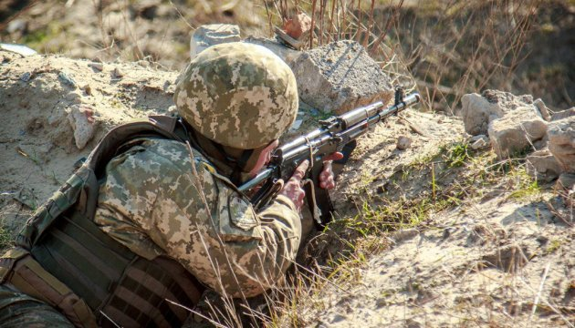 Militants continue to violate ceasefire in eastern Ukraine