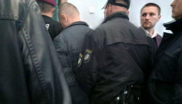 У Полтаві взяли під варту охоронця, який наніс ножові поранення ветеранам АТО