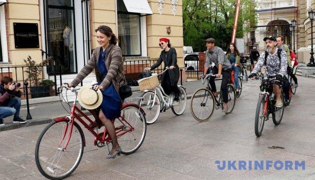Ретровелосипедисты проехались по улицам Одессы
