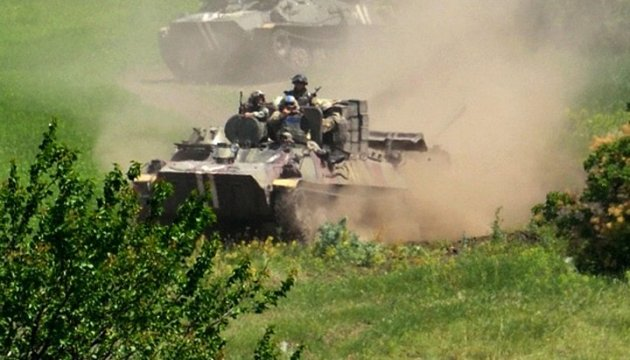 Боевики стреляют почти во всех ключевых точках линии фронта - штаб