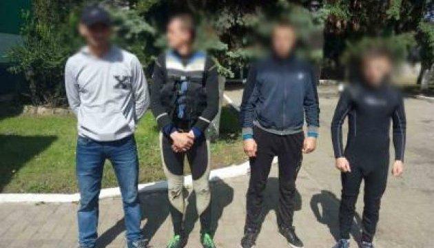 На кордоні з Румунією затримали чотирьох