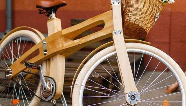 Білоруси презентували березовий велосипед за $1000