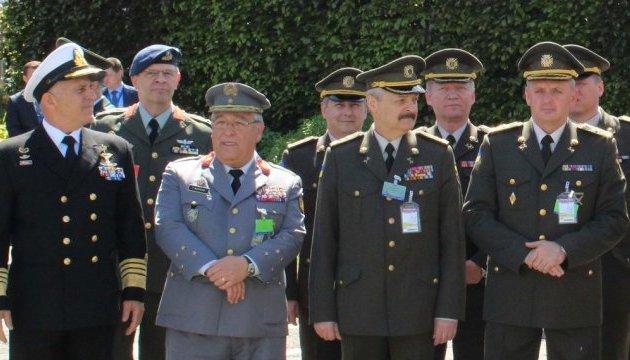 Українські військові продовжать участь у місії НАТО в Афганістані