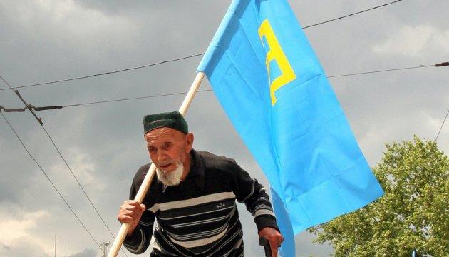 Кримські татари вийшли на одиночні пікети в окупованому Криму — на підтримку Караметова