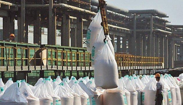 На Винниччине склады с непригодными пестицидами промаркируют спецзнаком