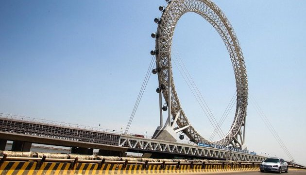 У Китаї відкриють унікальне оглядове колесо