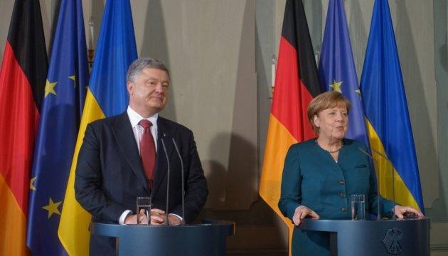 Poroshenko discutirá con Merkel el posible despliegue de la misión de paz de la ONU
