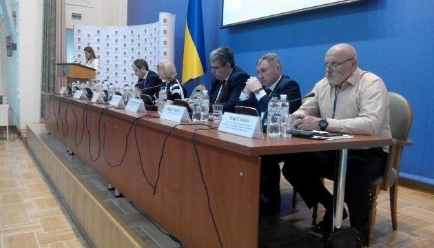 Геращенко: Ми вимагаємо в бойовиків звільнення 128 осіб, а ОРДЛО в України - 600