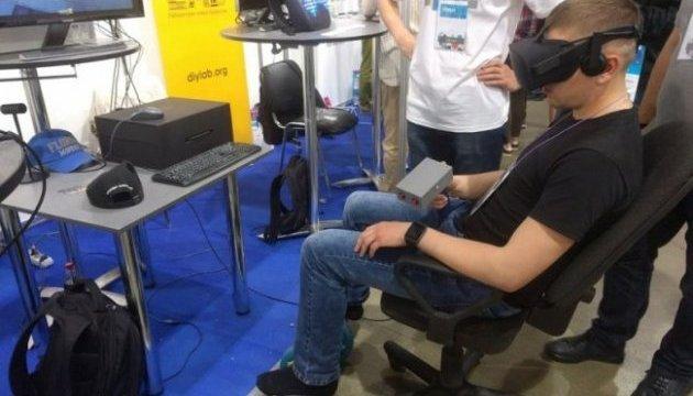 Украинец собрал супер-манипулятор для виртуальных боев