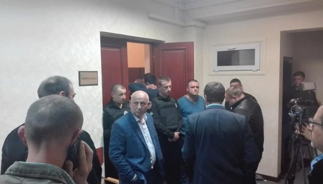У Києво-Святошинській адміністрації побилися депутати