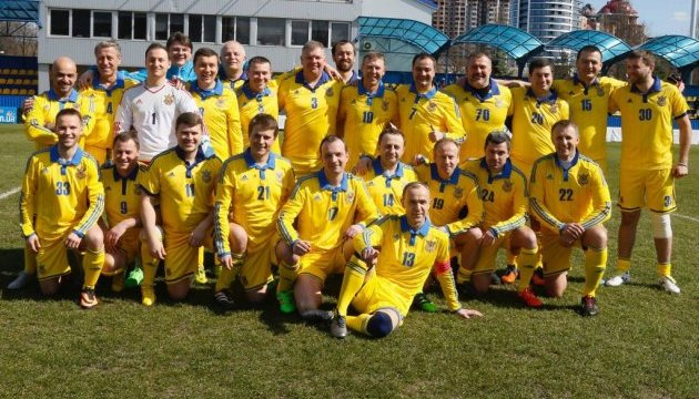 Нардепи з журналістами зіграють у футбол, щоб зібрати кошти для дітей-переселенців