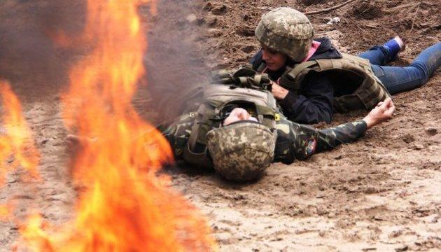 Армія навчає цивільних журналістів працювати на війні