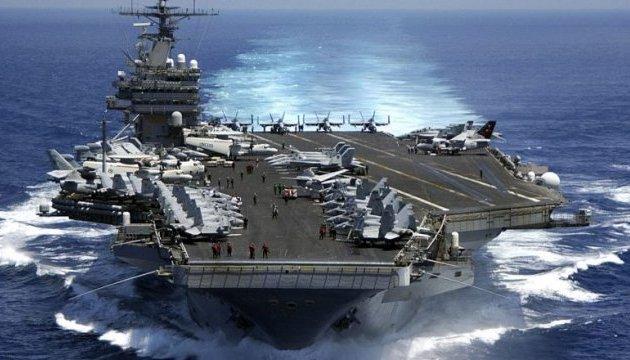 США направили третій авіаносець до берегів КНДР - ЗМІ
