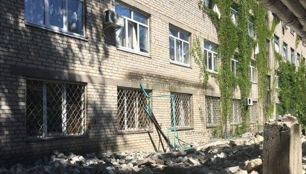 АТО: бойовики прицільно гатили з великокаліберних кулеметів по будинках Красногорівки