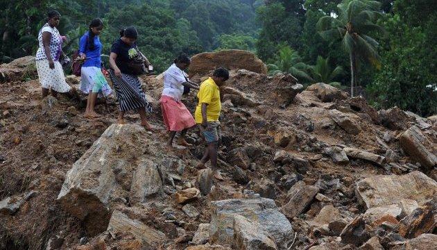 Число жертв повеней на Шрі-Ланці перевищило 200
