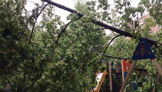 Ураган у Москві: вже 11 загиблих, півсотні травмованих